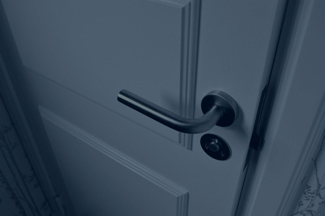 skrzypiące drzwi