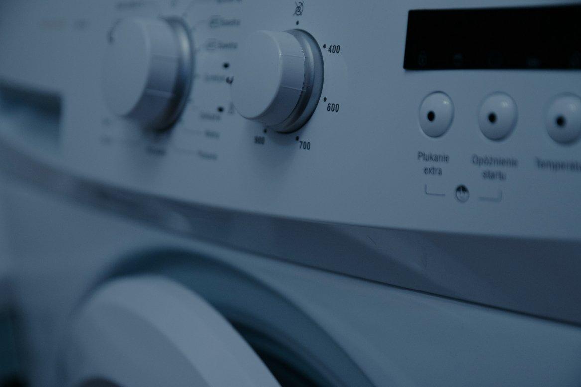 pralka nie pobiera płynu do płukania, pralka ma problemy z pobraniem płynu, pralka nie pobiera płynu, awaria pralki, naprawa pralki, serwis pralek