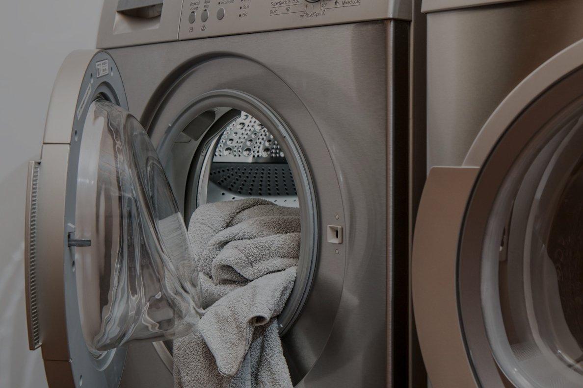 pralka robi dziury w ubraniach pralka tnie ubrania, serwis AGD, naprawa pralek, serwis pralek, uszkodzony bęben