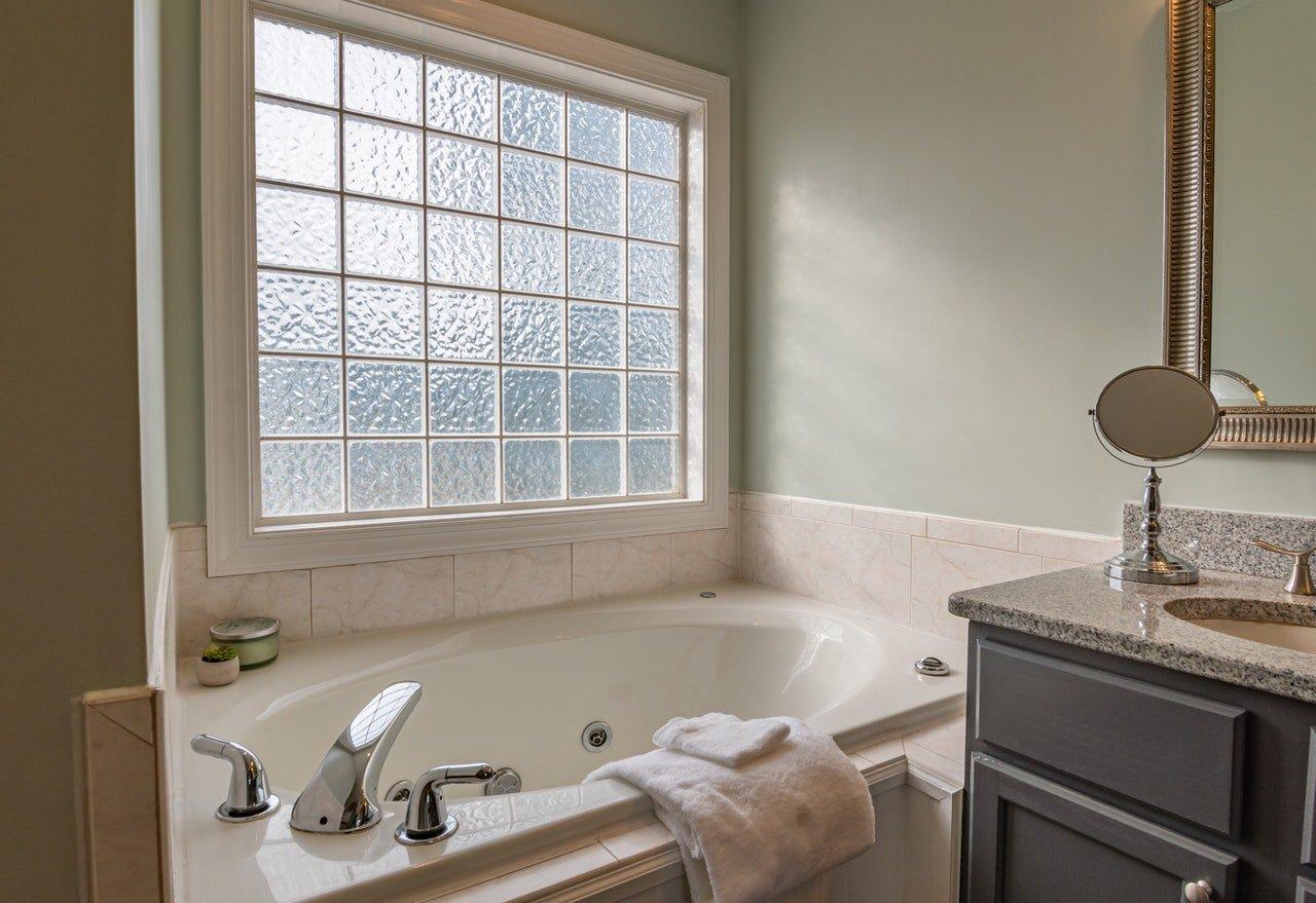 sprzątanie łazienki